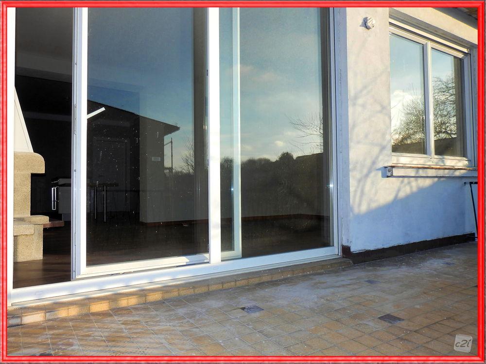 Appartement à vendre de 75 m² qui compte 4 pièces dont 2 chambres et ...