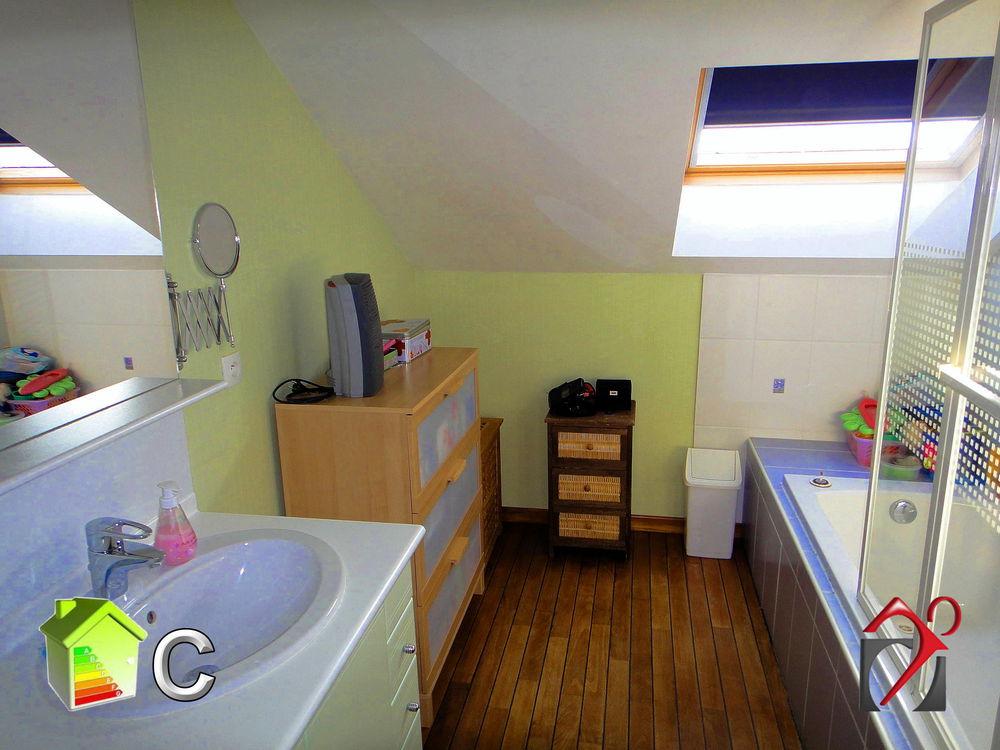 maison vendre de 140 m qui compte 6 pi ces dont 4 chambres et qui se situe woippy 57140. Black Bedroom Furniture Sets. Home Design Ideas